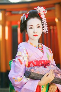 A description of Japanese culture is incomplete without the mention of Geisha