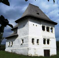 Cula Greceanu de la Măldăreşti (Hurezi), Vâlcea Visit Romania, Built Environment, Beautiful Architecture, Traditional House, Wonders Of The World, Interior And Exterior, Europe, Beautiful Homes, Country
