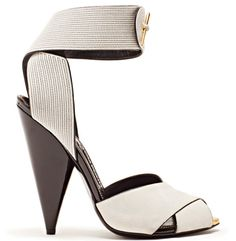 I think This Tom Ford heels are pretty, but ridiculous, & harmful to your feet. Good luck getting hurt walking on them. Tom Ford Heels, Toms Shoes Outlet, Cheap Shoes Online, Hot Shoes, Women's Shoes, Shoes Style, Pretty Shoes, Fashion Boots, Net Fashion