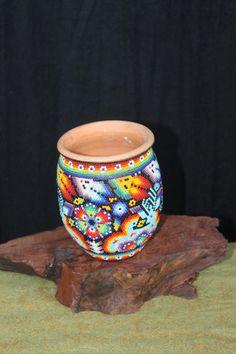 Espectacular jarra Vintage Huichol cuentas