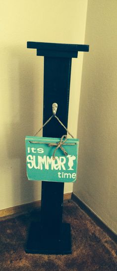 1000 Images About Sign Holders For Porch On Pinterest Wreath Stand Wreath Hanger And Welcome
