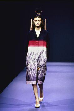 Prada Spring 1998 Ready-to-Wear Fashion Show - Trish Goff