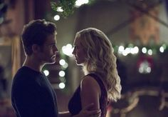 Paul Wesley and Candice King in The Vampire Diaries Vampire Diaries Series Finale, Vampire Diaries Seasons, Vampire Diaries The Originals, Cute Couple Quotes, Cute Couple Pictures, Stefan E Caroline, Caroline Forbes, Cute Couples Teenagers, Best Tv Couples