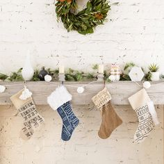 The Mudcloth-Inspired Christmas Trend Will Rival All Your Old Holiday Decor Save this holiday DIY tutorial to learn how to … Christmas Trends, Christmas Diy, Homemade Christmas Decorations, Holiday Decor, Holiday Ideas, Construction Crafts, Zipper Crafts, Boho Diy, Holiday Fashion