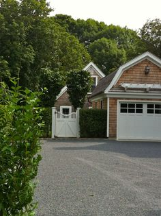 H20.jpg (1936×2592)great garage and gate