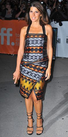 Look of the Day › September 2011 WHAT SHE WORE The Ides of March actress brightened up the Toronto Film Festival in a colorful Proenza Schouler cocktail dress accessorized with a crystal-studded Stark clutch and strappy sandals. Curvy Women Outfits, Clothes For Women, Marisa Tomei Hot, Marissa Tomei, Toronto Film Festival, Freida Pinto, Sweet Lady, Famous Men, Famous People