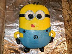 *MeG's CreAtive CoRNer*: Despicable Me, Minion cake