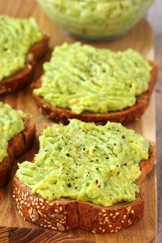 most perfectly simple avocado toast recipe. Quick, easy and minimalist to ideally bring out the flavors. Great for breakfast or a healthy snack! Best Avocado Toast Recipe, Best Avocado Recipes, Simple Avocado Toast, Vegan Recipes, Cooking Recipes, Avacado Toast, Avocado Dip, Avocado Spread, Avacado Snacks