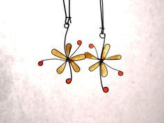 Flower resin earrings amber flower dangles by TheHappyLollipop Amber Earrings, Dangles, Resin, Wire, Unique Jewelry, Handmade Gifts, Flowers, Etsy, Vintage
