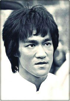 Bruce Lee open casket viewing   Bruce Lee   Pinterest ... Bruce Lee Open Casket