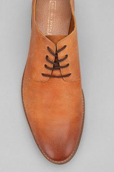 Hawkings McGill Decon Buck Shoe