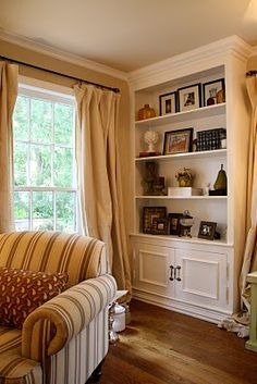 built in bookcases & use painters drop cloth for window treatments (can customize design/patterns w paint, etc.) I love these book shelves Living Room Update, My Living Room, Home And Living, Bookshelves Built In, Bookcases, Built Ins, Wide Bookcase, Book Shelves, Bookcase Styling