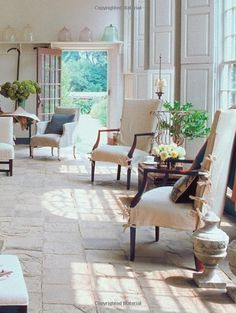 This is actually the orangery at Mount Vernon, temporarily decorated for House Beautiful by Victoria Hagan Beautiful Interiors, Beautiful Homes, House Beautiful, Beautiful Buildings, Country Decor, Country Living, Interiores Design, Home Decor Inspiration, Design Inspiration