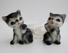 Vintage Whatnot figurines   Vintage set of salt and pepper shak ers - collectible figurine ...