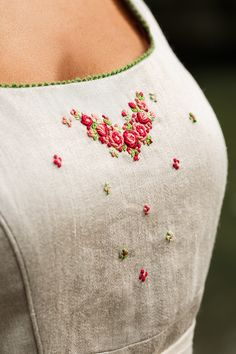 This enchanting, delicate bodice hand embroidery. Hand Embroidery Projects, Hand Embroidery Videos, Hand Embroidery Stitches, Embroidery Designs, Applique Patterns, Sewing Patterns, Oktoberfest Outfit, Feather Art, Vintage Inspired Outfits