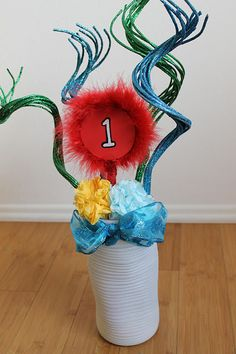Make it Cozee: Dr. Suess Centerpiece Ideas