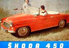 La Skoda 450 Cabriolet, photo d'époque, cette ancienne automobile fut construite de 1958 à 1959, la Skoda 450 de 1958 mesure 1.6 mètres de l...