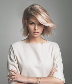 Love it! Love everything about it. Colour, length, texture. Could be my next 'do.