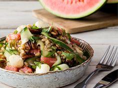 Grünkern-Salat mit Wassermelone und Pekannüssen