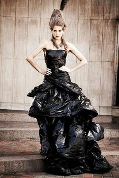 Dress out of garbage bags! Trash Bag Dress, Anything But Clothes, Recycled Dress, Trash Art, Recycled Fashion, Dress Out, Fashion Project, Fashion Show, Fashion Design