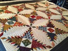 QUILT WITH DOODLEMOOCHIE!: 2013 CUSTOM FINISH! PineBurr Quilt