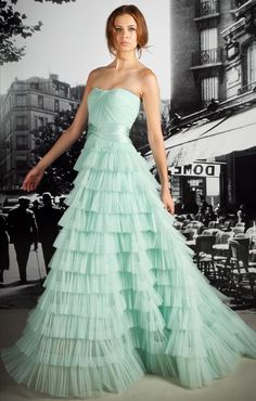 30 Mint Wedding Color Ideas For the Bride to Be | http://www.weddinginclude.com/2016/05/mint-wedding-color-ideas/