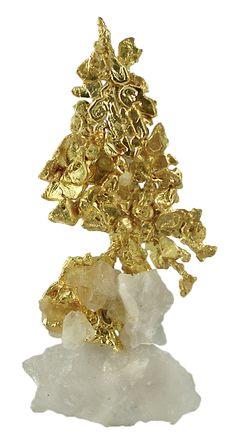 Gold on quartz / Mineral Friends <3      Looks like a Christmas tree.