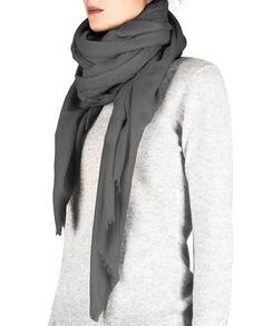 Kaschmir Schal Oversize grau front Fashion, Cashmere, Scarves, Gray, Moda, Fashion Styles, Fasion