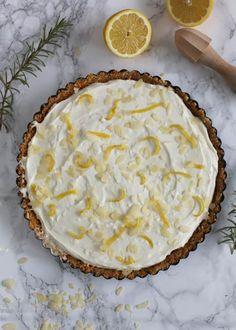 Limoncello mascarpone taart - Taste our Joy! Baby Food Recipes, Sweet Recipes, Cake Recipes, Food Baby, Limoncello Cake, Baking Bad, Sweet Coffee, Italian Desserts, Pie Cake