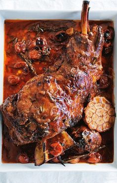 Donna Hay's Slow-Roasted Lamb Shoulder With Red Wine & Caramelized Onion [Donna Hay] Lamb Roast Recipe, Roast Recipes, Slow Cooker Recipes, Cooking Recipes, Lamb Dishes, Roasted Meat, Food And Drink, Red Wine, Yummy Food