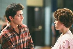 Michael Schoeffling and Molly Ringwald in Sixteen Candles See Movie, Movie Tv, Michael Schoeffling, High School Crush, Really Good Movies, Brat Pack, Sixteen Candles, Light Film, Still In Love