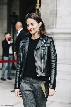 PFW-Paris_Fashion_Week-Spring_Summer_2016-Street_Style-Say_Cheese-Maria_Dueñas-Biker_jacket-                                                                                                                                                                                 Más