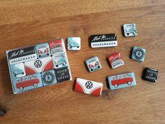 Zo leuk voor op je koelkast! Deze set van negen magneten maken van elk saai stuk metaal een stijlvolle decoratie. Retro, Accessories, Retro Illustration, Jewelry Accessories