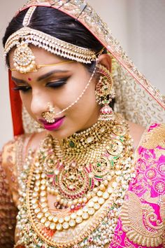 Gold Jewelry Design In India Sangeet Outfit, Mehndi Outfit, South Indian Bride, Indian Bridal, Bridal Jewelry, Gold Jewelry, Tulsi Silks, Where To Buy Gold, Jewelry Design Drawing
