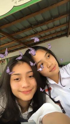 Best Friends Aesthetic, Aesthetic People, Aesthetic Indie, Aesthetic Vintage, Aesthetic Girl, Cute Friend Pictures, Best Friend Pictures, Korean Best Friends, Filipina Beauty