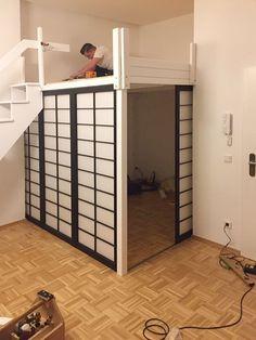 Picture Loft bed 260 x 235 cm, staircase with handrail, Shoji sliding door - home diy remodeling Room Ideas Bedroom, Small Room Bedroom, Home Decor Bedroom, Loft Room, Bedroom Loft, Teen Loft Bedrooms, Loft Beds, Ikea Bedroom, Bedroom Storage