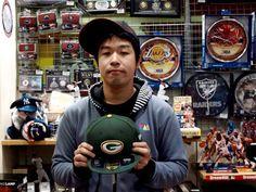 【大阪店】 2012年10月21日  N.M様が遊びに来てくれました!    パッカーズのキャップを購入してくださいましたよ~♪