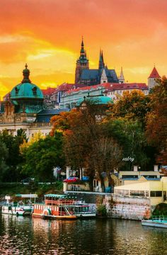 Sunset over Prague Castle, Czechia. 22 Reasons why Czechia must be in the Top of your Bucket List Cool Places To Visit, Places To Travel, Places Around The World, Around The Worlds, Prague Czech Republic, Heart Of Europe, Prague Castle, Belle Photo, Wonders Of The World