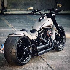 Harley Davidson Chopper, Harley Davidson Street Glide, Harley Davidson Sportster, Harley Fatboy, Harley Davidson Images, Hd Fatboy, Harley Davidson Custom, Harley Bikes, Harley Davidson Breakout Custom
