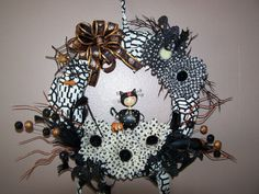 Halloween Wreath Decoration Floral Sprays Black and Orange Ribbon Bow Resin Cat Polka Dot Gerber Daisys Thorns Grapevine Door Wall Wreath