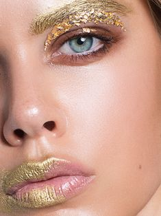 Gold fashion beauty oobmag magazine by Evgenya Kayumova