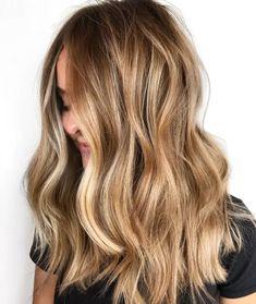 Dark Blonde Hair Color, Brown Blonde Hair, Light Brown Hair, Blonde Waves, Red Hair, Caramel Blonde Hair, Blonde Caramel Highlights, Balayage Hair Dark Blonde, Balayage On Medium Hair