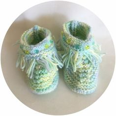 Nos Mocassins / Our Moccasins Moccasins, Baby Shoes, Clothes, Fashion, Native American Women, Types Of Shoes, Penny Loafers, Outfits, Moda