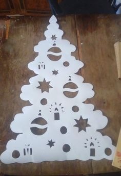 Christmas Yard Art, Homemade Christmas Decorations, Advent, Kirigami, Paper Cutting, Stencils, Diy And Crafts, Handmade, Quilts