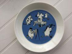 Moomin arabia plate Blue Plates, Moomin, Decorative Plates, Tableware, Home Decor, Blue Dishes, Dinnerware, Decoration Home, Room Decor
