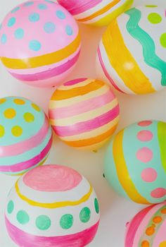 Hand Painted Easter Egg Balloons | Stevie Pattyn for The Shop Sweet Lulu Blog