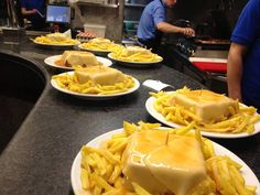 Café Restaurante Santiago - Venha provar a nossa fantástica francesinha.