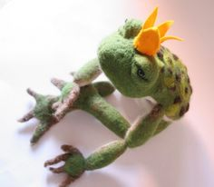 The most handsome frog prince ever! I'd kiss him :)   Needle felted by fiber artist Laura Lee Burch