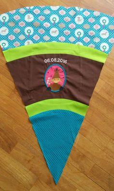Nachdem ich im letzten Jahr bereits die Schultüten für meine Nichte und meine Tochter genäht habe, habe ich in diesem Jahr einer lieben Freundin angeboten, die Schultüte für ihre Tochter herzustel…