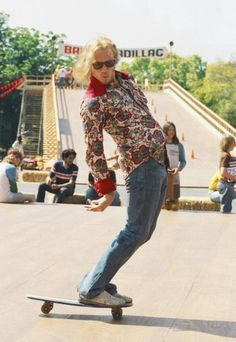 """heath <3 - The Lords of Dogtown  The documentary """"Dogtown and Z-boys"""" is better - IMHO - because it has all the original Z-boys in it and real footage....it's a great documentary."""